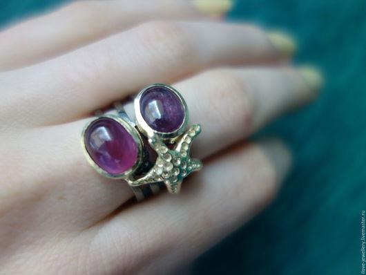 """Кольца ручной работы. Ярмарка Мастеров - ручная работа. Купить """"Морская звезда""""-модное серебряное кольцо с кабошонами рубинов. Handmade."""