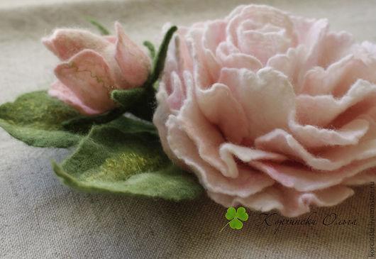 Броши ручной работы. Ярмарка Мастеров - ручная работа. Купить Брошь Роза. Handmade. Бледно-розовый, войлочная роза