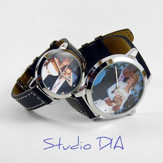 Часы Под Заказ - Влюбленные Молодожены. \r\nЧасы с индивидуальным дизайном под заказ.\r\nСтудия Дизайнерских Часов DIA.