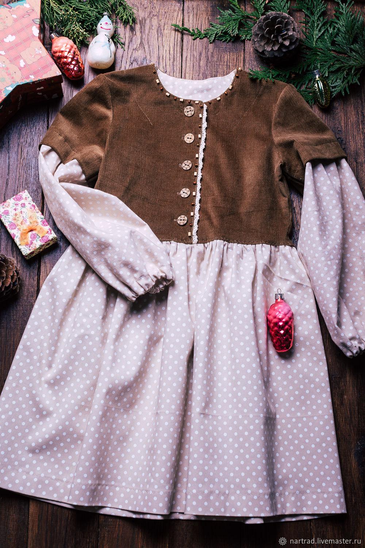 Бежевое платье для девочки с длинным рукавом вельветовое