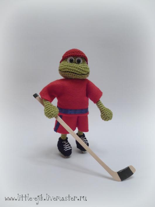 Игрушки животные, ручной работы. Ярмарка Мастеров - ручная работа. Купить Трус не играет в хоккей! Лягушк-хоккеист. Handmade. Зеленый