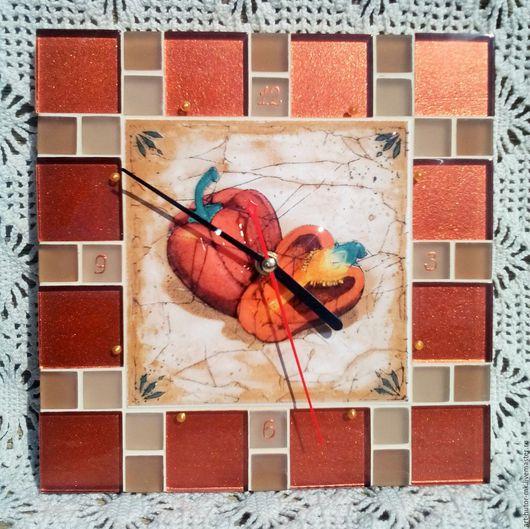 """Часы для дома ручной работы. Ярмарка Мастеров - ручная работа. Купить Часы с мозаикой """"Перчики"""". Handmade. Часы для загородного дома"""