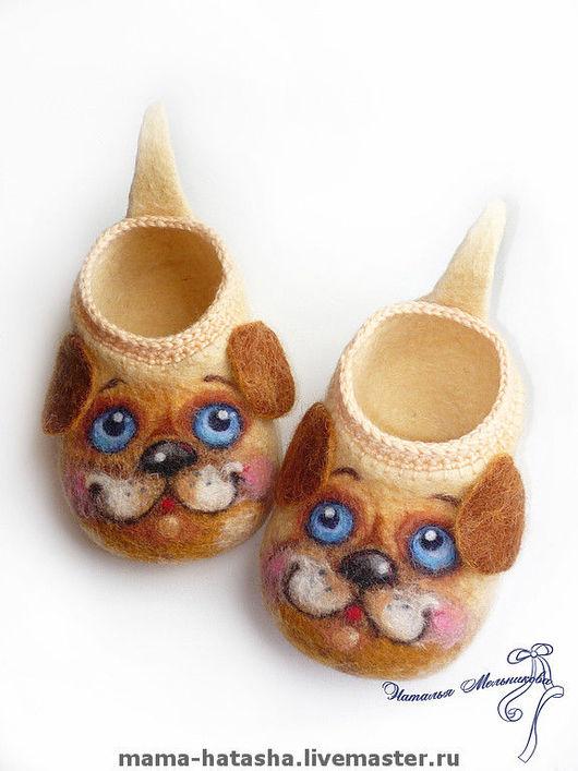 """Детская обувь ручной работы. Ярмарка Мастеров - ручная работа. Купить Войлочные тапочки """"Маленькие собачки - большие друзья"""".. Handmade."""