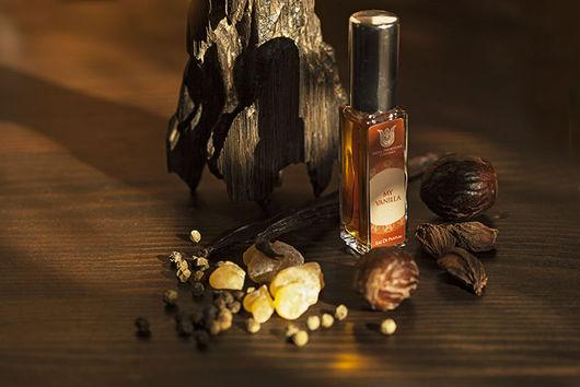 Натуральные духи My Vanilla  -  бальзамически-древесный ориентальный аромат.