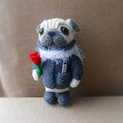 Куклы и игрушки ручной работы. Ярмарка Мастеров - ручная работа Мопсик с цветочком. Handmade.
