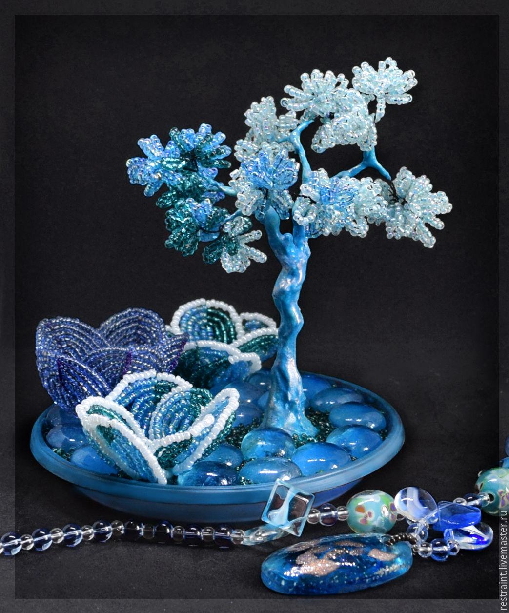 ива из бисера в голубом цвете фото