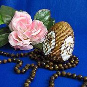 """Подарки к праздникам ручной работы. Ярмарка Мастеров - ручная работа Сувенирное яйцо""""Ирис на золоте"""". Handmade."""