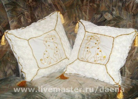 """Текстиль, ковры ручной работы. Ярмарка Мастеров - ручная работа. Купить Подушки """"Львы"""". Handmade. Мех искусственный, бисер, вышивка"""