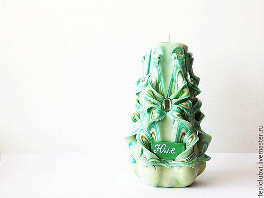 Персональные подарки ручной работы. Ярмарка Мастеров - ручная работа. Купить Резная свеча - зеленый оливковый изумрудный - именные свечи. Handmade.