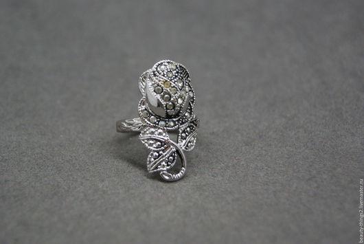 Винтажные украшения. Ярмарка Мастеров - ручная работа. Купить Крупное коктейльное кольцо. Handmade. Серебряный, винтаж, бижутерный сплав