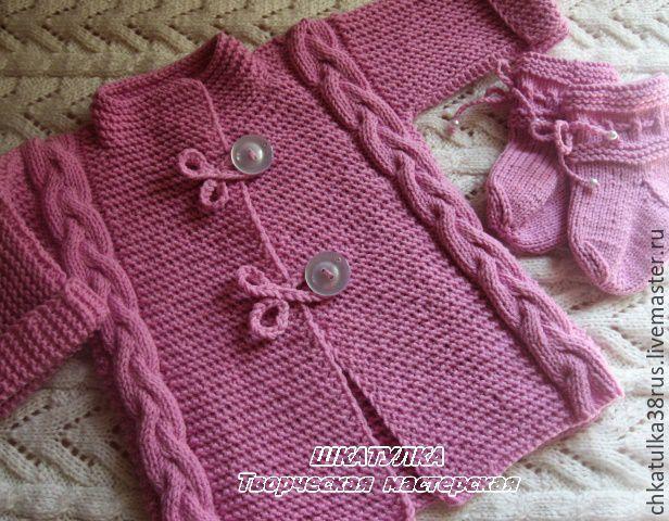 Вязанное пальто для малышек