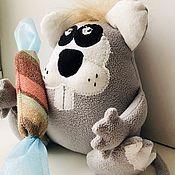 Мягкие игрушки ручной работы. Ярмарка Мастеров - ручная работа Мягкие игрушки: Крысеныш с конфетой. Handmade.