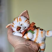 Куклы и игрушки handmade. Livemaster - original item Kitten Kuzma small white with red stripes, collectible toy. Handmade.