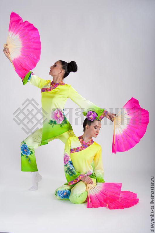 Китайский стиль. Танцевальный костюм. Китайский костюм. Сакура.Театральный костюм. Азия. Костюм для фотосессии.Сценический костюм. Народный костюм. Этнический костюм. Цветы.Веер.