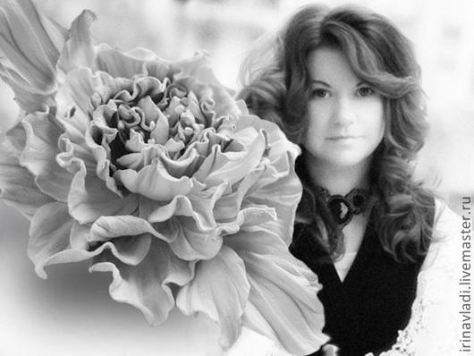 украшения из кожи, белая роза брошь, белый цветок брошка, английская роза брошь, брошь из кожи цветок, заколка для волос роза,  кожаная брошка роза, кожаная белая брошь, белая роза заколка, украшение