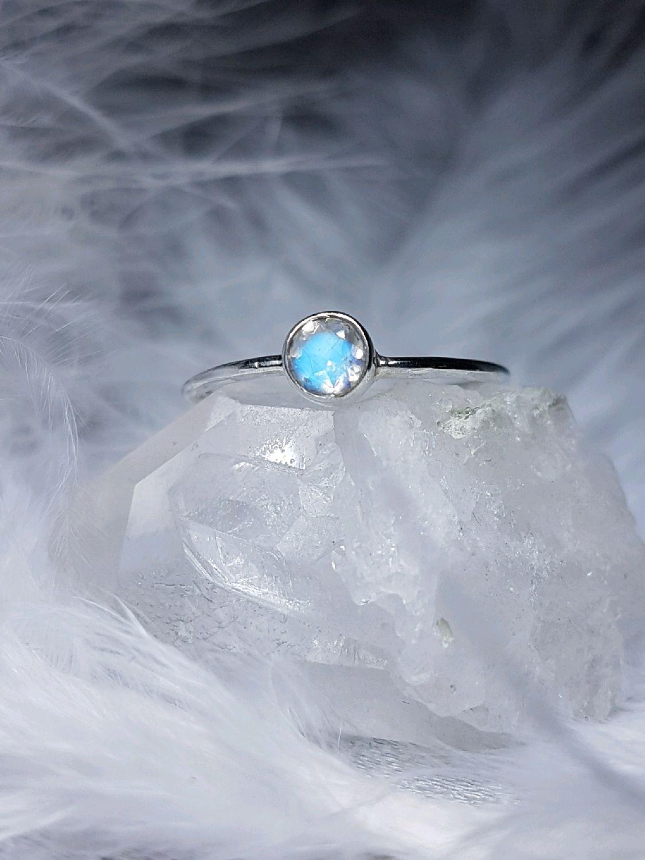 кольца лунный камень фото фотографии участвуют