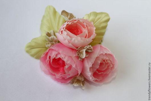Заколка, брошь из роз Лючия. Цветы из шелка