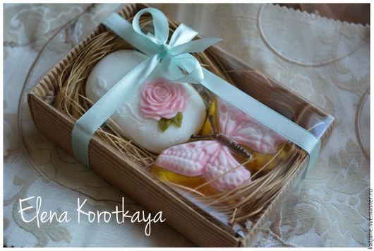 """Мыло ручной работы. Ярмарка Мастеров - ручная работа. Купить """"Бабочка и роза"""" (розовый) Набор мыла ручной работы. Handmade."""