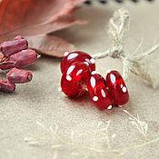 Украшения ручной работы. Ярмарка Мастеров - ручная работа Красная шапочка - бусины лэмпворк для браслета пандора. Handmade.