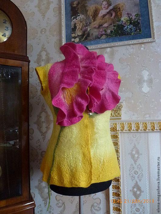 Жилеты ручной работы. Ярмарка Мастеров - ручная работа. Купить женский валяный жилет желтый. Handmade. Желтый, жилет, жилеты