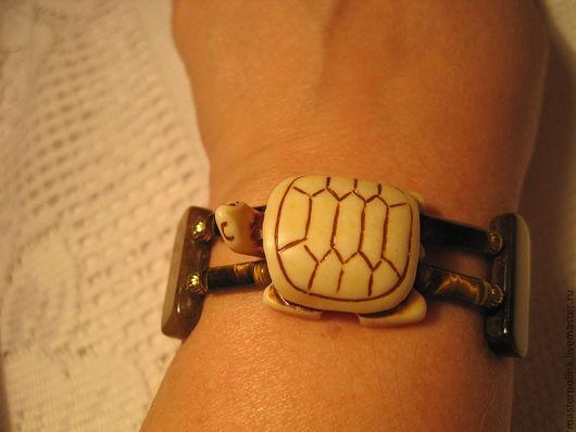 """Браслеты ручной работы. Ярмарка Мастеров - ручная работа. Купить Браслет """"Счастливая черепаха"""". Handmade. Коричневый, оберег, резная кость"""