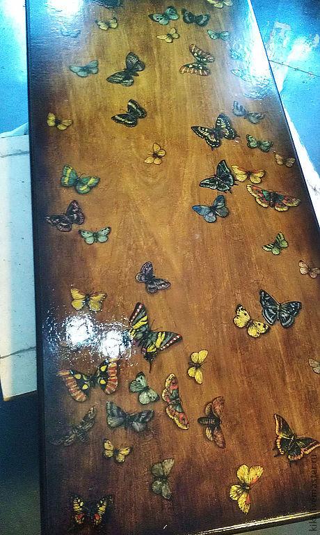"""ручной работы. Ярмарка Мастеров - ручная работа. Купить роспись стола """"Бабочки"""". Handmade. Роспись по дереву, кракелюр, старение, лак"""