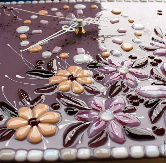 """Часы для дома ручной работы. Ярмарка Мастеров - ручная работа. Купить Часы """"Розовый, цветы и бабочки"""" фьюзинг. Handmade. Разноцветный"""