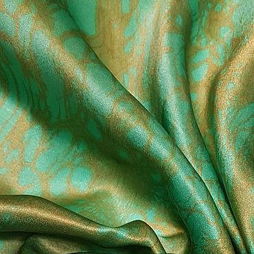 """Аксессуары ручной работы. Ярмарка Мастеров - ручная работа Шелковый платок батик """"Изумрудно-золотой"""". Handmade."""
