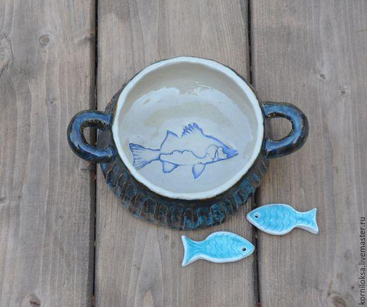 Тарелки ручной работы. Ярмарка Мастеров - ручная работа. Купить Миска с рыбой.. Handmade. Тёмно-синий, керамика ручной работы