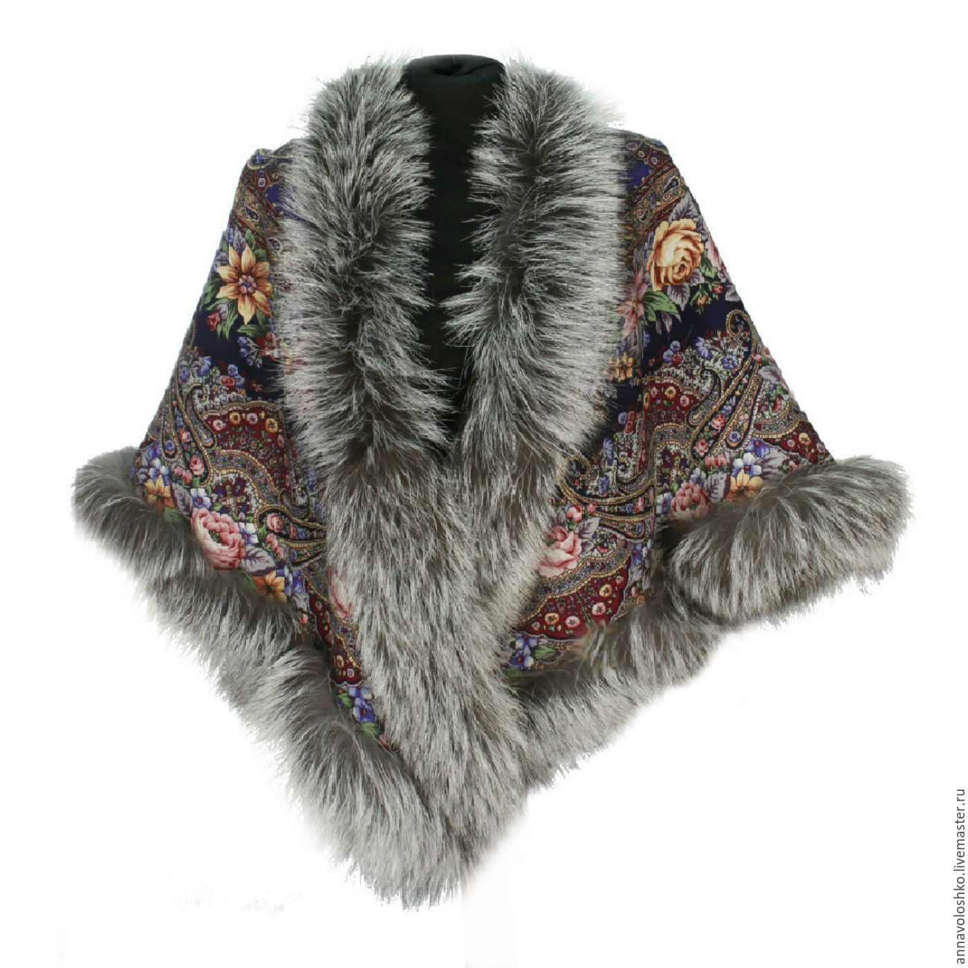 Pavlovo Posad shawl with fur. Fox, Fox, Fox, marten.
