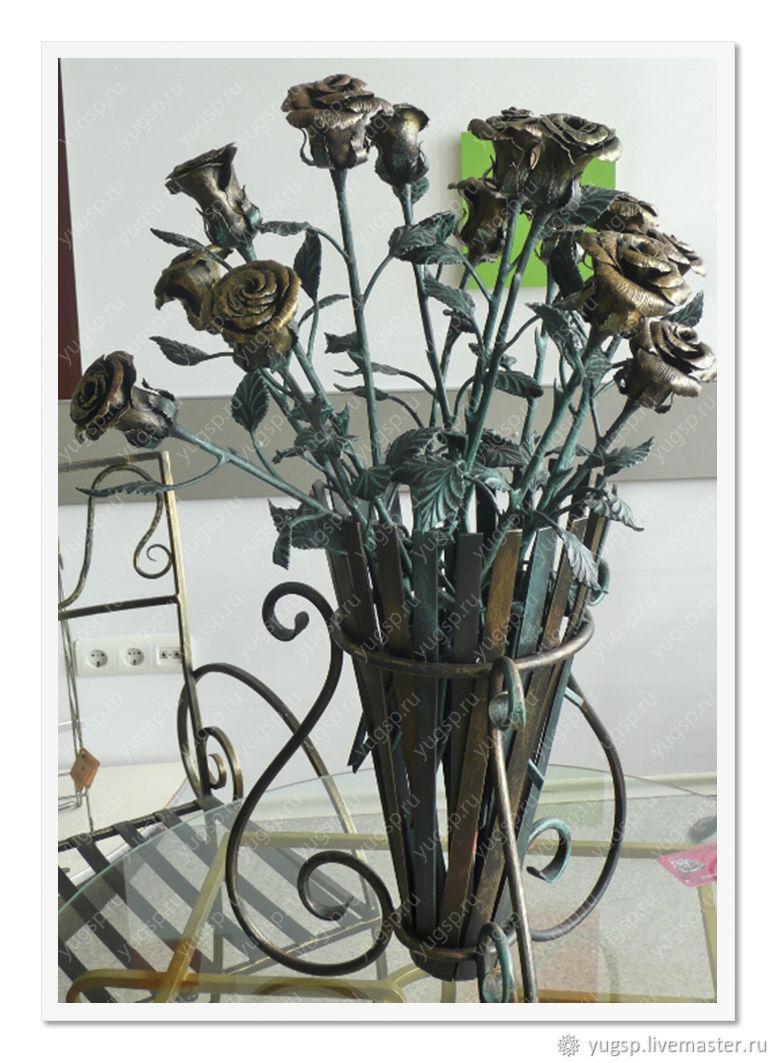 кованые вазы для цветов фото особенного