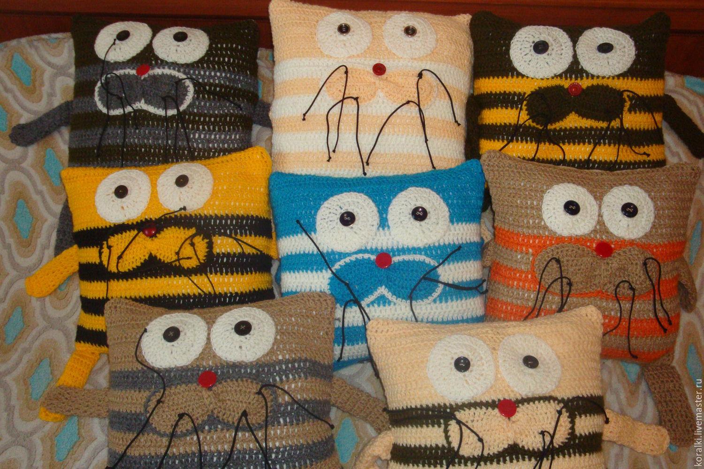 вязаные подушки коты крючком фото