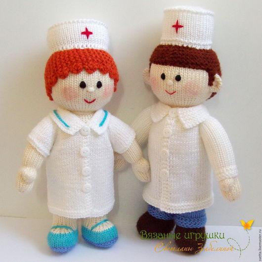 """Человечки ручной работы. Ярмарка Мастеров - ручная работа. Купить """"Доктор и медсестра"""" вязаные куклы. Handmade. Доктор, медик, медицина"""