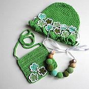 Работы для детей, ручной работы. Ярмарка Мастеров - ручная работа Подарок для девочки на годик: вязаные шапочка, сумочка и бусы. Handmade.