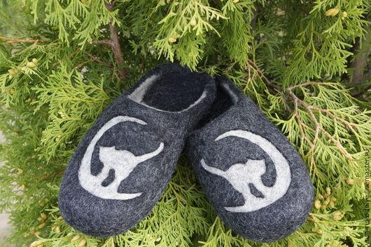 """Обувь ручной работы. Ярмарка Мастеров - ручная работа. Купить Тапочки валяные """"Лунная соната"""". Handmade. Черный, тапочки женские"""