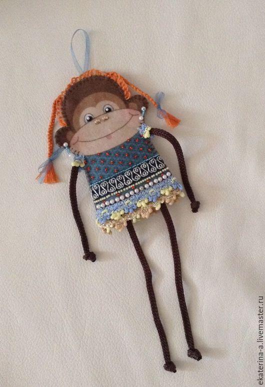 """Подарочное оформление бутылок ручной работы. Ярмарка Мастеров - ручная работа. Купить Игрушка. Чехол на бутылку """"Весёлая обезьянка"""". Handmade."""