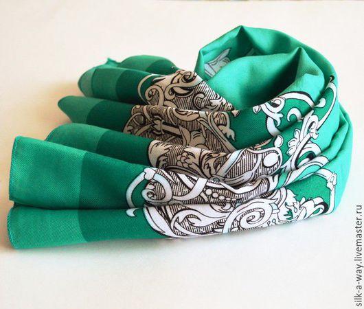 Шали, палантины ручной работы. Ярмарка Мастеров - ручная работа. Купить Платок вензеля. Зелено-белый цвет.. Handmade.