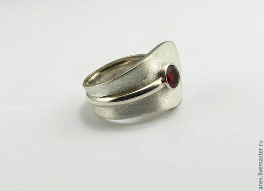 """Кольца ручной работы. Ярмарка Мастеров - ручная работа. Купить Кольцо """"Гранатовое"""". Handmade. Бордовый, кольцо с камнем, подарок женщине"""