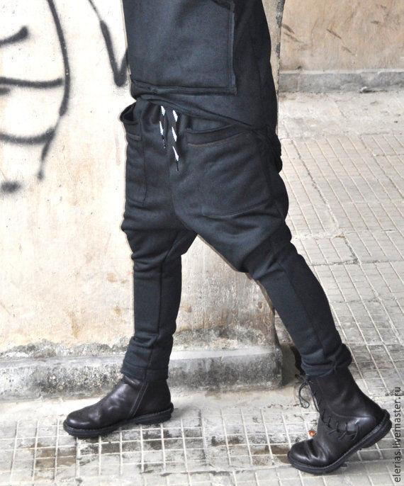 To buy pants. Black pants. Pants with pockets. Loose cut.