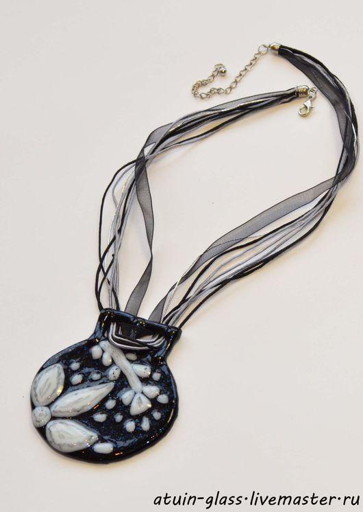 """Кулоны, подвески ручной работы. Ярмарка Мастеров - ручная работа. Купить Кулон из стекла, фьюзинг """"Ночной цветок"""". Handmade. Черный"""