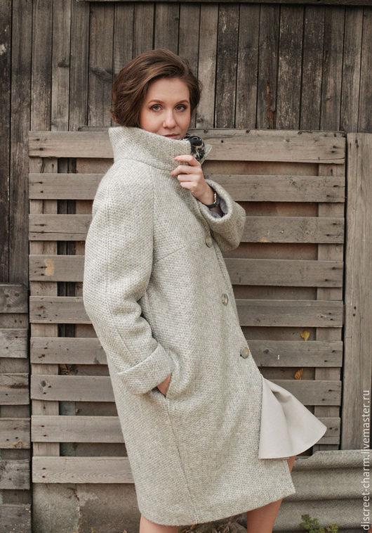 Верхняя одежда ручной работы. Ярмарка Мастеров - ручная работа. Купить Серое зимнее утеплённое пальто из фактурной шерсти, свободный силуэт. Handmade.