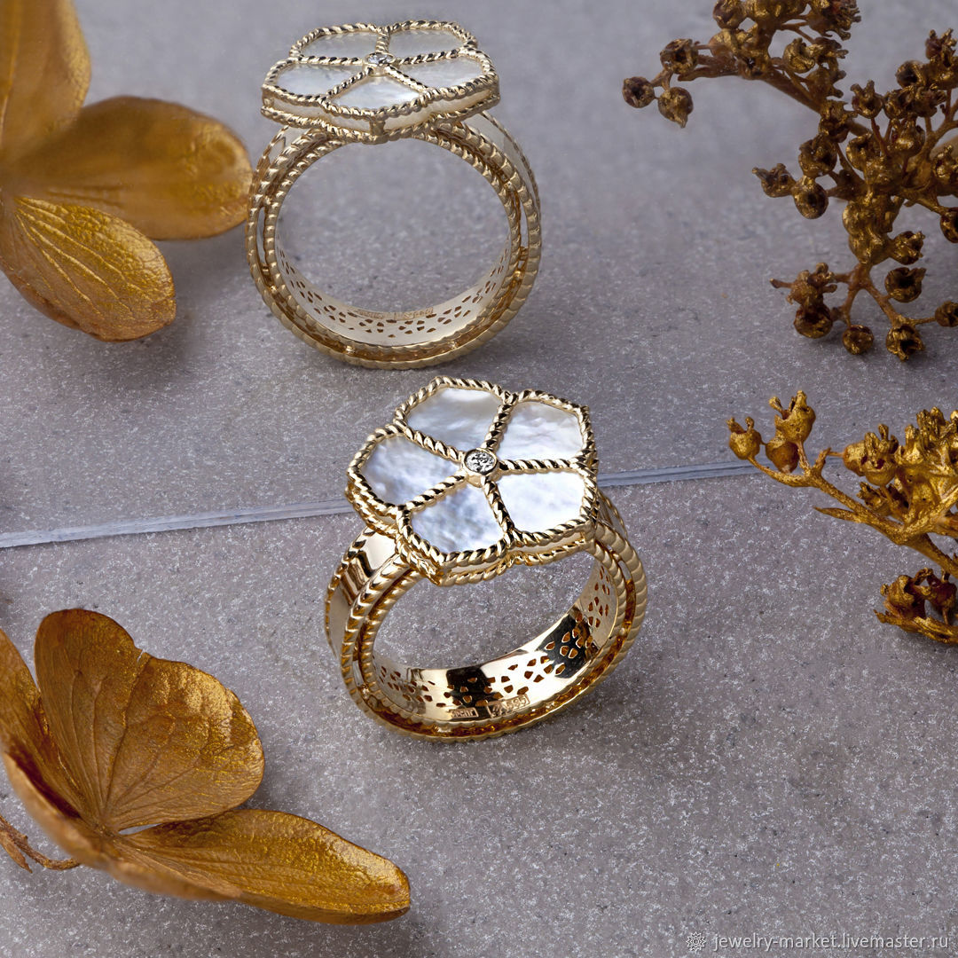 Stylish gold ring with iridescent sea pearl and diamond, Rings, Ekaterinburg,  Фото №1