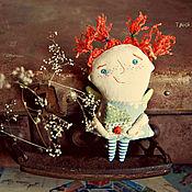 Украшения ручной работы. Ярмарка Мастеров - ручная работа Текстильная брошь Мурзилка с домиком). Handmade.