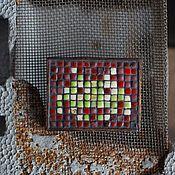 Украшения ручной работы. Ярмарка Мастеров - ручная работа Space Invaders. Брошь плиточная. Handmade.