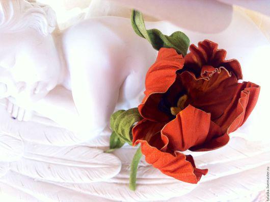 """Броши ручной работы. Ярмарка Мастеров - ручная работа. Купить Брошь из замши """"Игривый тюльпан"""". Handmade. Разноцветный, брошь цветок"""
