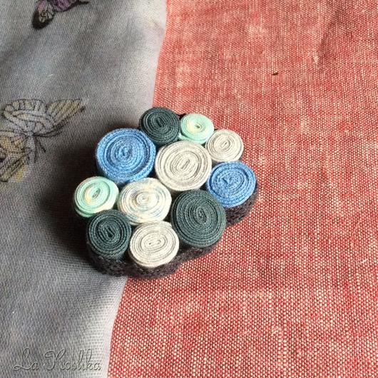 текстильная брошь, брошь из ткани, брошка из ткани, крупная брошь, стильное украшение, стильная брошь, синяя брошь, брошь для палантина,  брошь для пальто, для сумки, морская брошь, бохо брошь