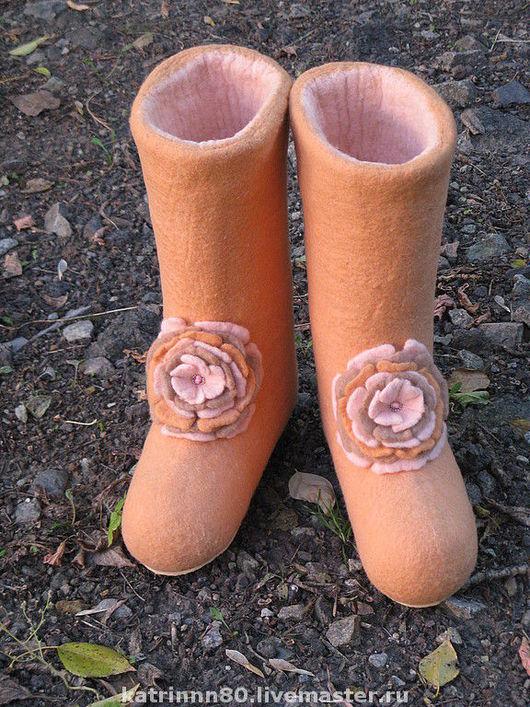 """Обувь ручной работы. Ярмарка Мастеров - ручная работа. Купить Валенки """" Персиковый рай"""". Handmade. Валенки, шерсть и бисер"""