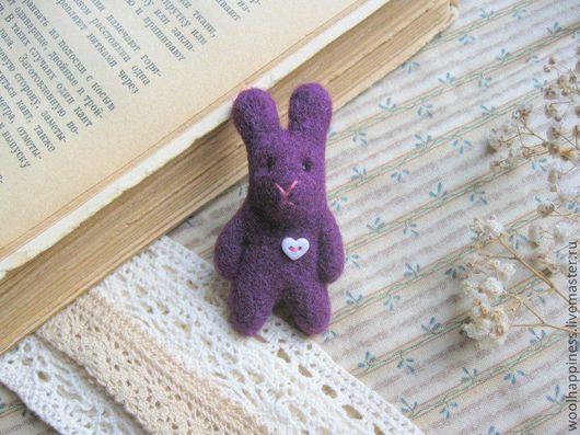 Броши ручной работы. Ярмарка Мастеров - ручная работа. Купить Кролик № 7 Брошь. Handmade. Фиолетовый, сердце