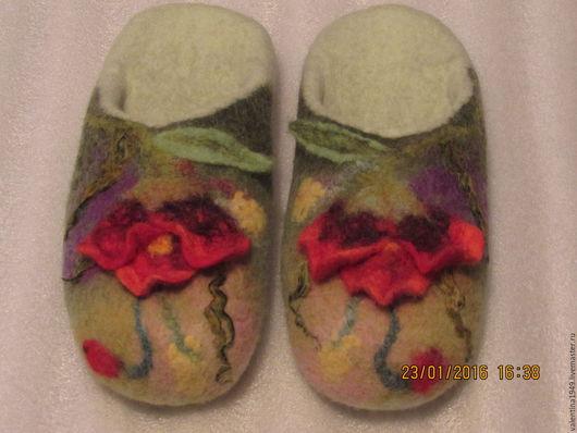 Обувь ручной работы. Ярмарка Мастеров - ручная работа. Купить Тапки-шлёпки.. Handmade. Салатовый, подарок подруге, тапочки валяные