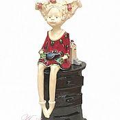 Для дома и интерьера ручной работы. Ярмарка Мастеров - ручная работа Статуэтка Девочка на комоде авторская керамика. Handmade.